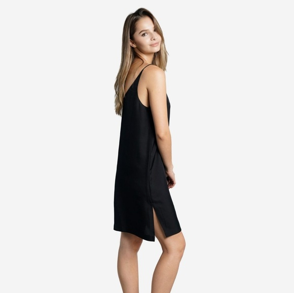 f8d6a241facc Grana Dresses & Skirts - NWOT Grana Silk Mini V-Neck Slip Dress